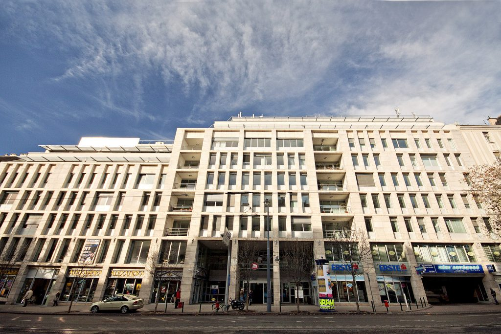 csm_Budapest-Bartok-Haz-Aussen-Tag-1_caf7e2d60f