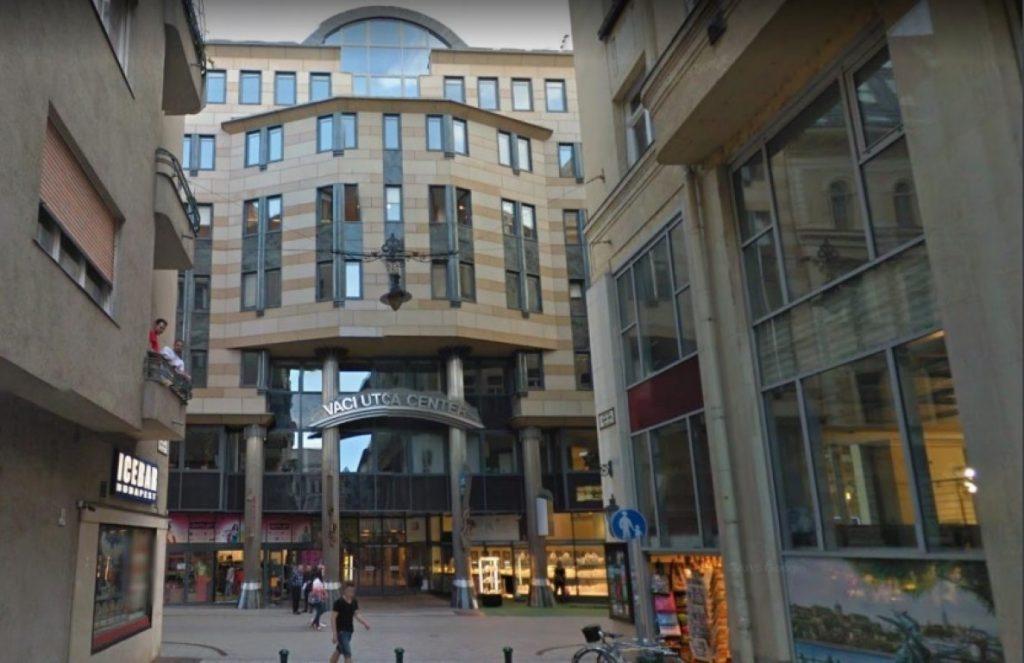 váci utca center (Medium)
